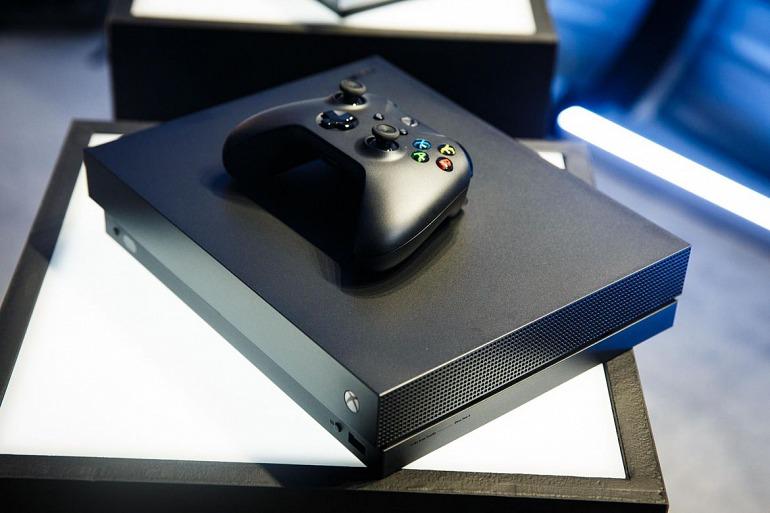 Xbox One X en imágenes. Así es el monstruo de Microsoft